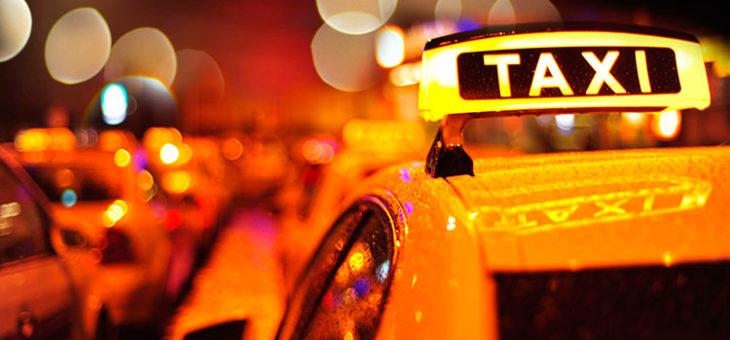 Как работается женщинам-водителям в такси?